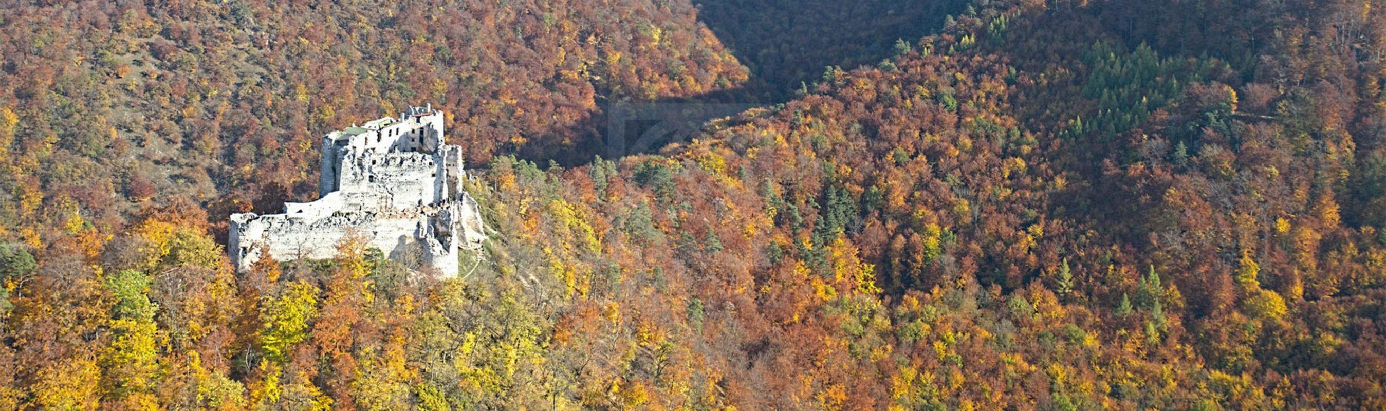 Skladačka krovu na hrade Uhrovec
