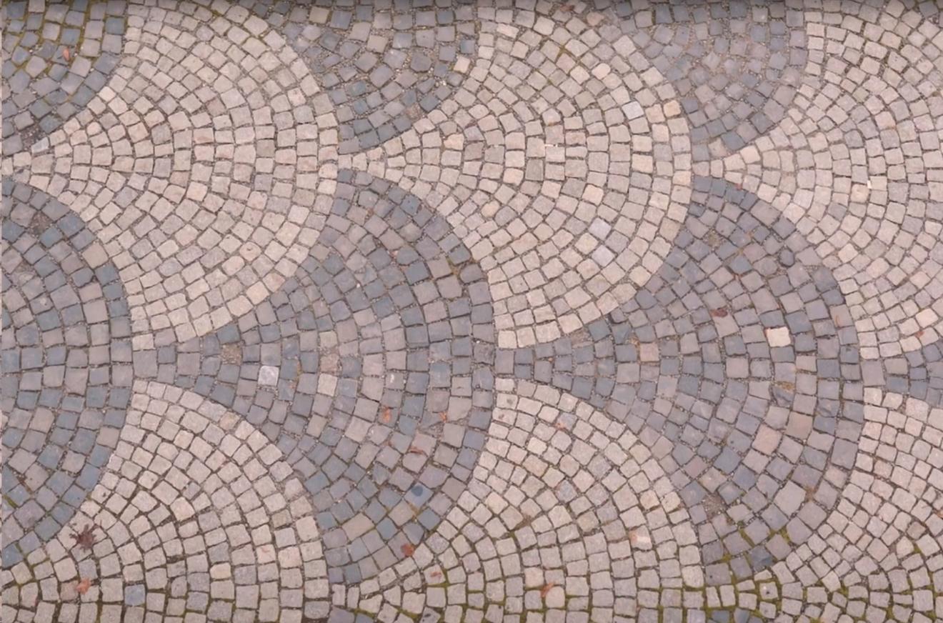 Oživené pamiatky - tradičné remeselné postupy - Kamenné exteriérové dlažby