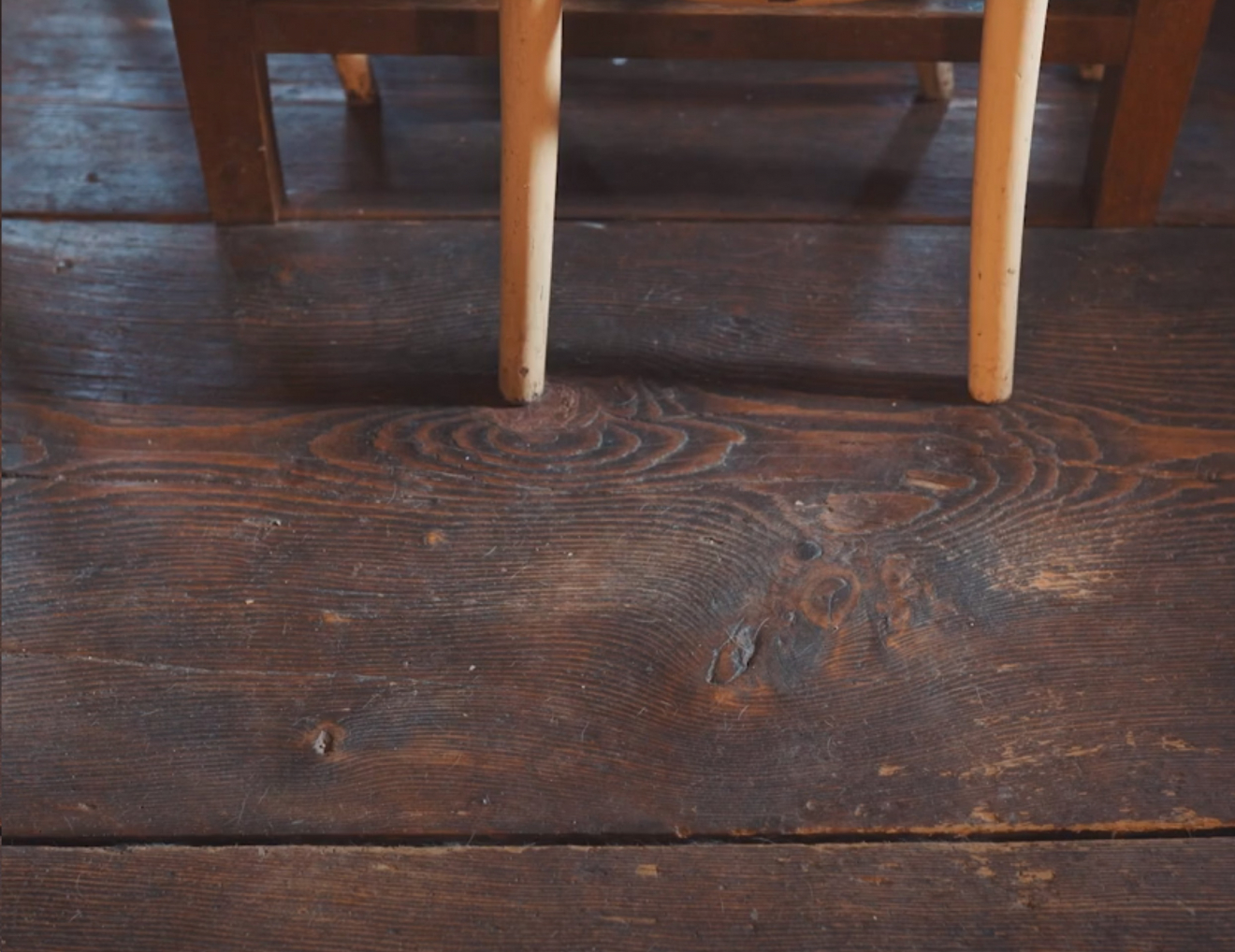 Oživené pamiatky - tradičné remeselné postupy - Drevená podlaha